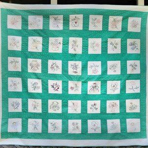 Vintage Hand Quilted Green Quilt Embroidery 77x85